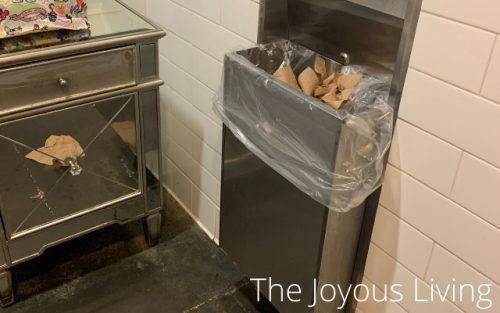 arc restaurants dirty bathroom